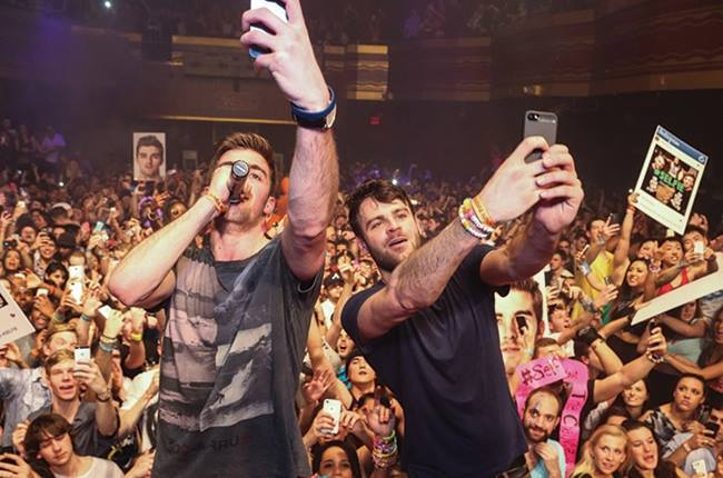 "Chainsmokers Hosed For ""Selling Out"" - Turn Hose Back On The Hosers & Hose Themselves"